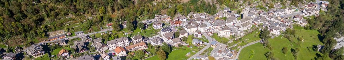 Swiss Sun Valais ® Vue panoramique du village de Ceppo Morelli en Piemont / Italie. 1er réseau immobilier du Valais ®